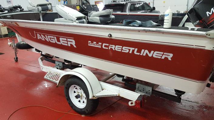 Crest liner fishing boat detailing